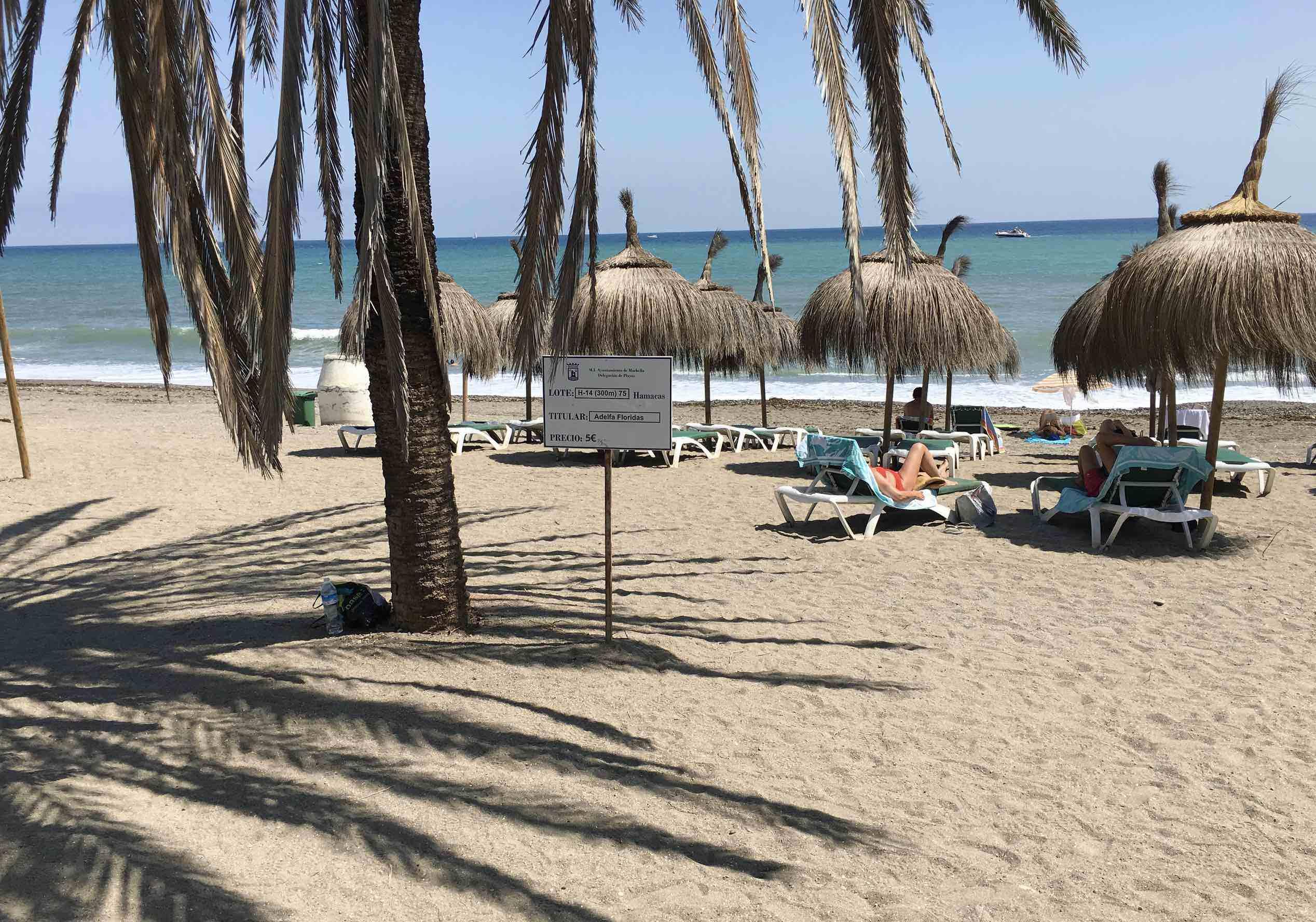Het strand van San Pedro bij Marbella